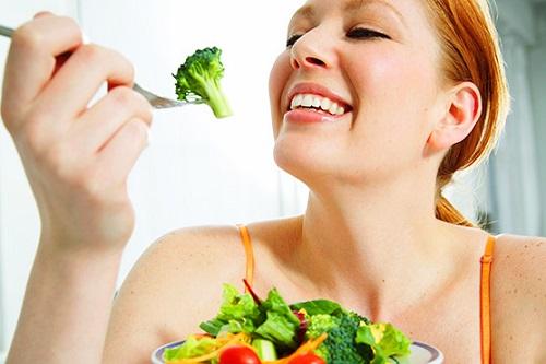 Bổ sung dinh dưỡng lành mạnh giúp cân bằng nội tiết
