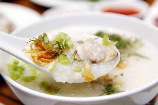 Cháo bong bóng cá, hoàng kỳ và thịt dê giúp bổ thận khỏe tì