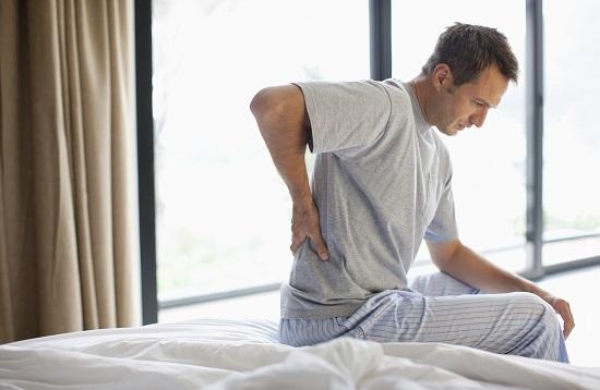 Thận yếu gây đau lưng, nhức lưng thường xuyên
