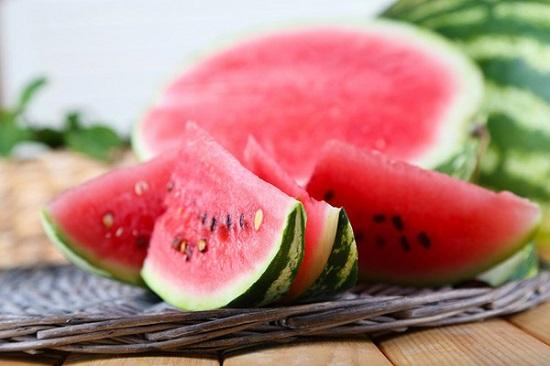 ăn nhiều dưa hấu sẽ giúp cho cơ thể lợi tiều, điều tiết lượng nước tiểu tốt.