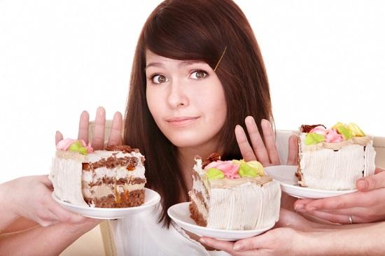 Hạn chế ăn đồ ngọt và chất béo để giảm áp lực mà thận phải gánh chịu