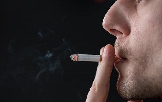 Thuốc lá làm tăng khả năng mắc yếu sinh lý ở nam giới