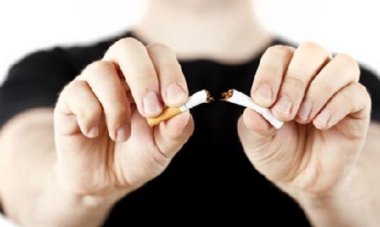 Là đàn ông hãy nói không với thuốc lá