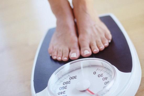 Kiểm soát cân nặng tránh thừa cân béo phì giúp thận luôn khỏe mạnh