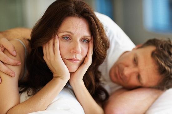 Phụ nữ bước vào giai đoạn mãn kinh khiến Estrogen suy giảm