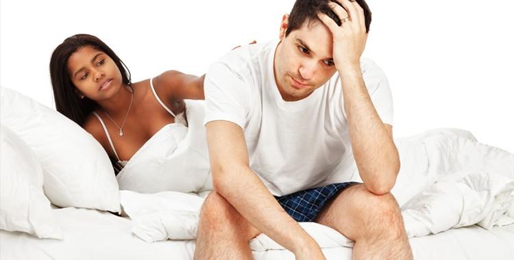 Rối loạn cương dương khiến nam giới mất tự tin khi gần gũi