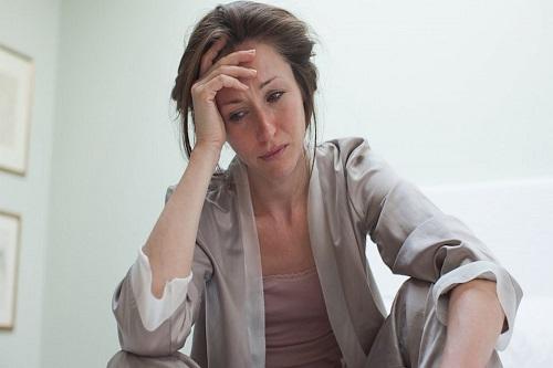 Các triệu chứng khó chịu ở nữ giới khi thiếu hụt estrogen