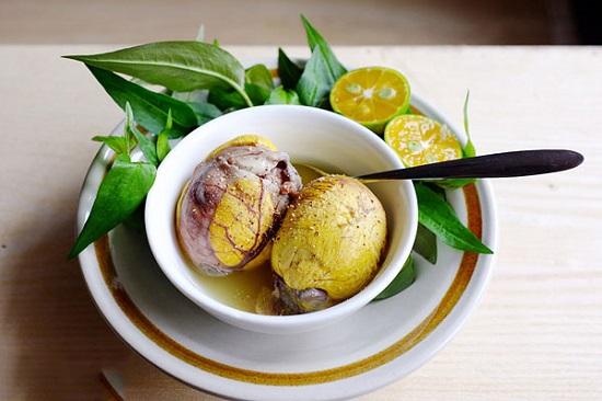 Trứng vịt lộn nên ăn kèm với rau răm